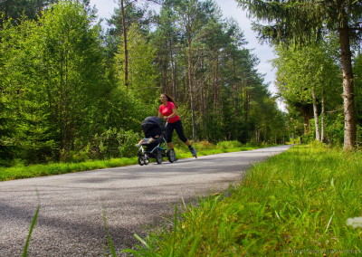 Inline i s kočárkem na cyklostezce :-)