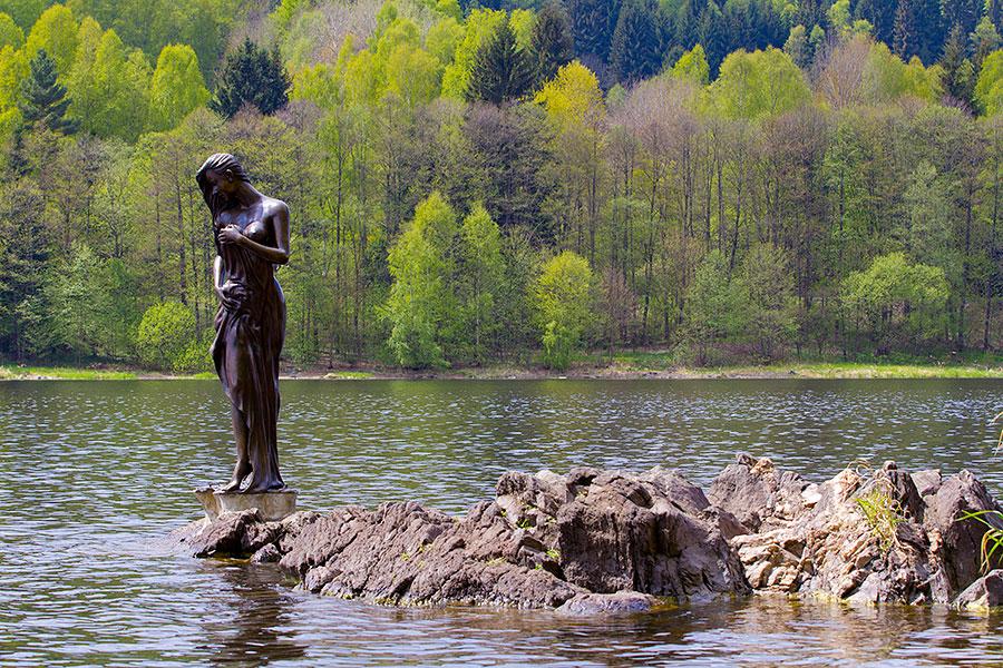 Vodní víla na břehu Lipna